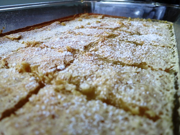 Tray lemon bars
